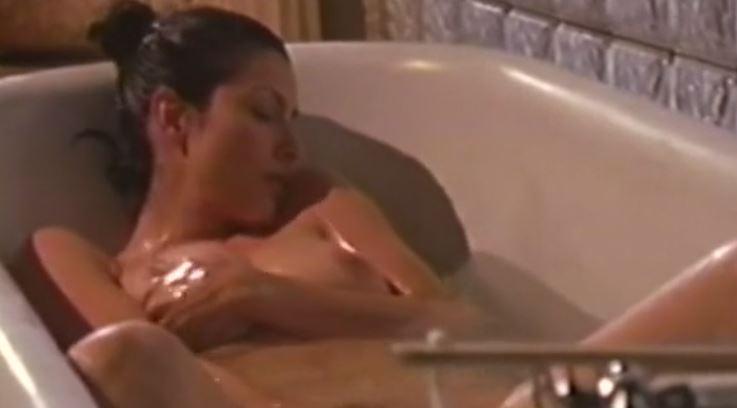 Aşk Evi izle – Yeni Konulu Erotik Film