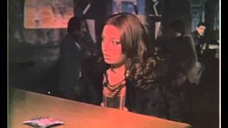 Çıplak Kedi – Zerrin Egeliler çıplak katil rolünde