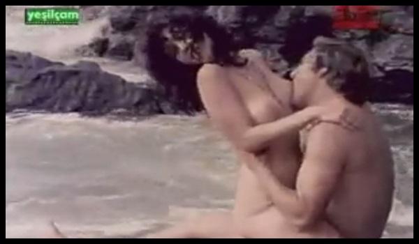 Bal Peteği izle Karaca Kaan – Nikahsızlar izle Meral Deniz Yeşilçam Erotik