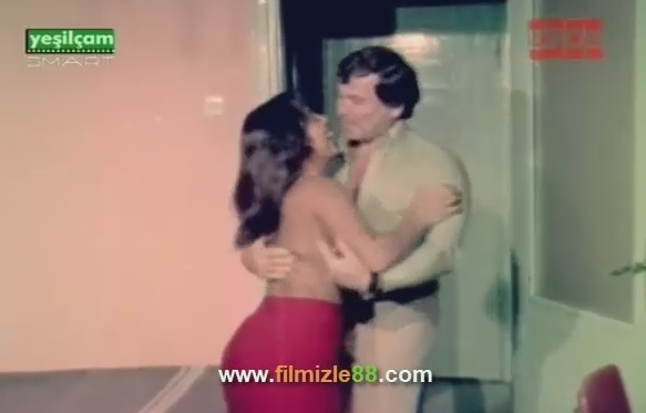 Yudum Yudum Sev Yeşilçam Erotik Filmini İzle (1979)