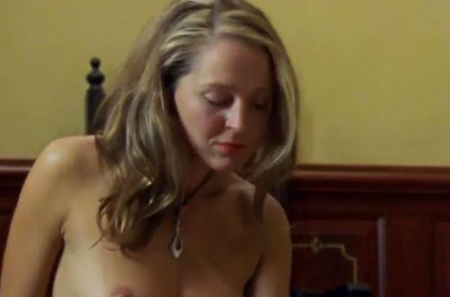 Tutkunun izi izle – 2013 Yeni Erotik Film